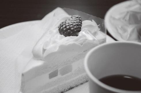 人間対人間が心から語り合えるまでになるには、それなりの時間が必要だが、「がん哲学外来」ではそれを1時間ほどで行う。ときには互いに言葉に詰まり、沈黙が続くこともあるが、温かいお茶とケーキが、その場の空気をなごませる。